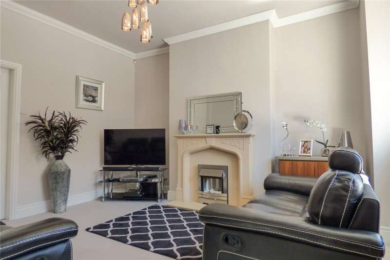 2 Bedrooms End Of Terrace House for sale in Kings Road, Ashton-under-Lyne, Greater Manchester, OL6