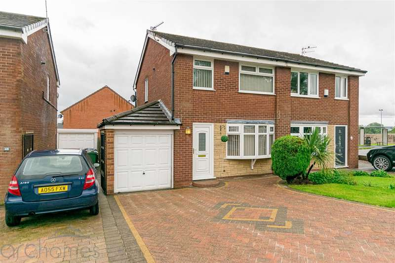 3 Bedrooms Semi Detached House for sale in Hillside Avenue, Atherton, Manchester
