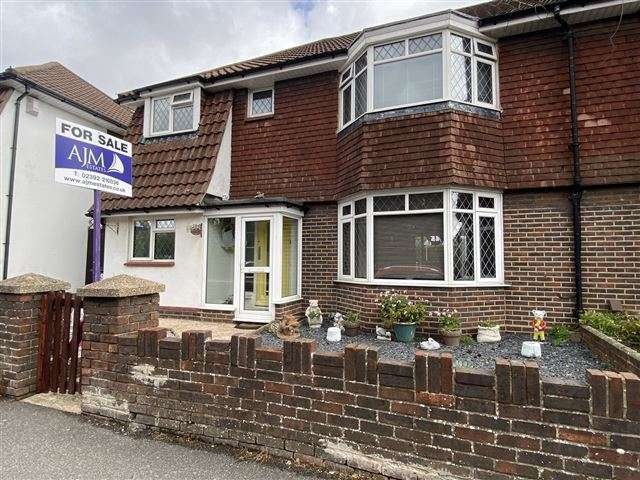 3 Bedrooms Semi Detached House for sale in Portsmouth Road, Cosham, Portsmouth, Hampshire, PO6 2SJ