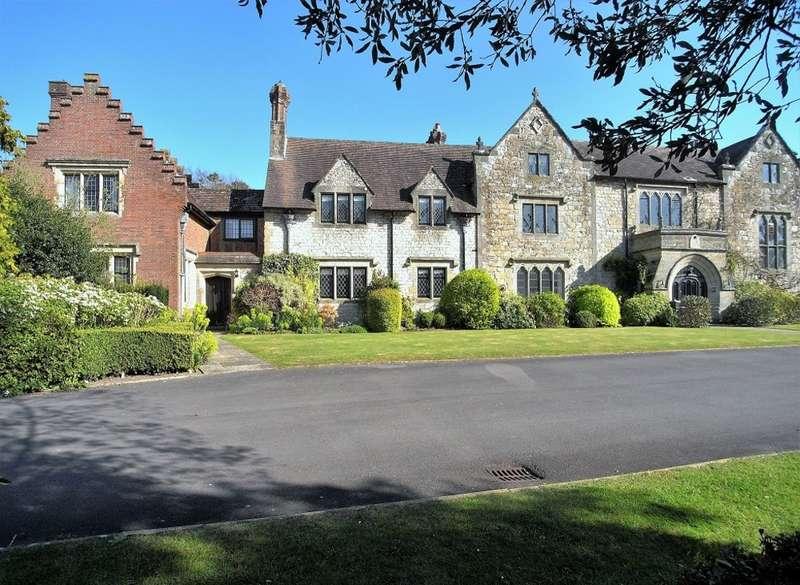 4 Bedrooms House for sale in Greyfriars Lane, Storrington