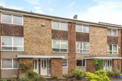 2 Bedrooms Maisonette Flat for sale in Bromley Court, 30 Oaklands Road, Bromley