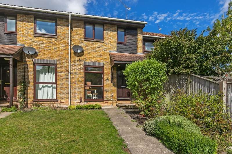 2 Bedrooms Terraced House for sale in Plough Way, Badger Farm, Winchester, SO22