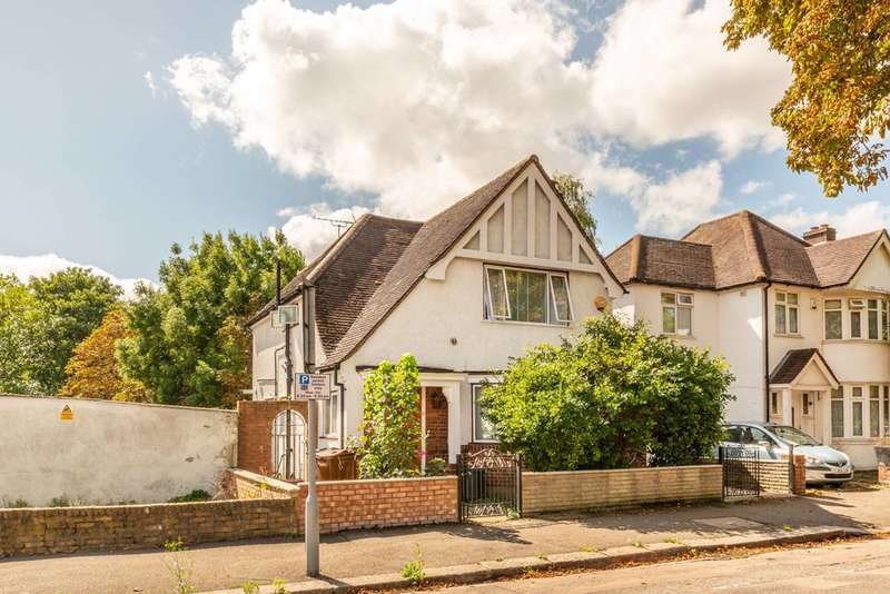 4 Bedrooms House for sale in Eversley Crescent, Isleworth, TW7