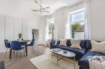 3 Bedrooms Flat for sale in Stoke Court, 77 Southborough Road, Bromley