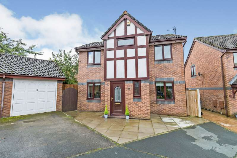 3 Bedrooms Detached House for sale in Fir Tree Close, Chorley, Lancashire, PR7