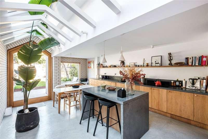 5 Bedrooms Terraced House for sale in Lidfield Road, London, N16