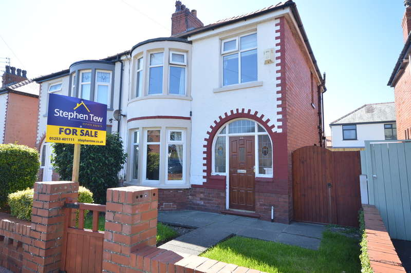 3 Bedrooms Semi Detached House for sale in Langfield Avenue, Blackpool, FY4