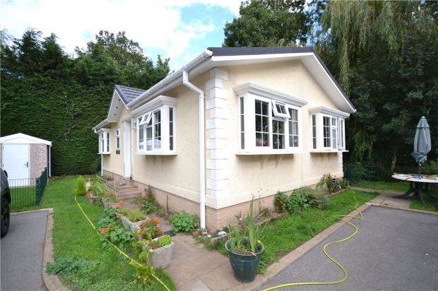 2 Bedrooms Mobile Home for sale in Park Lane Meadows, Park Lane, Godmanchester