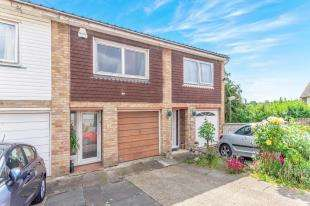 3 Bedrooms Terraced House for sale in Cavendish Road, Rochester, Kent, England