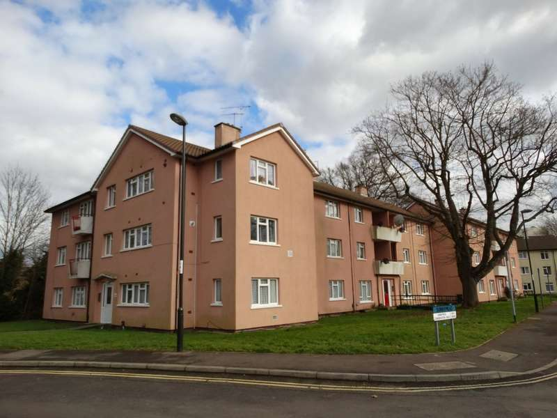 2 Bedrooms Flat for rent in Sunnymead, West Green, Crawley