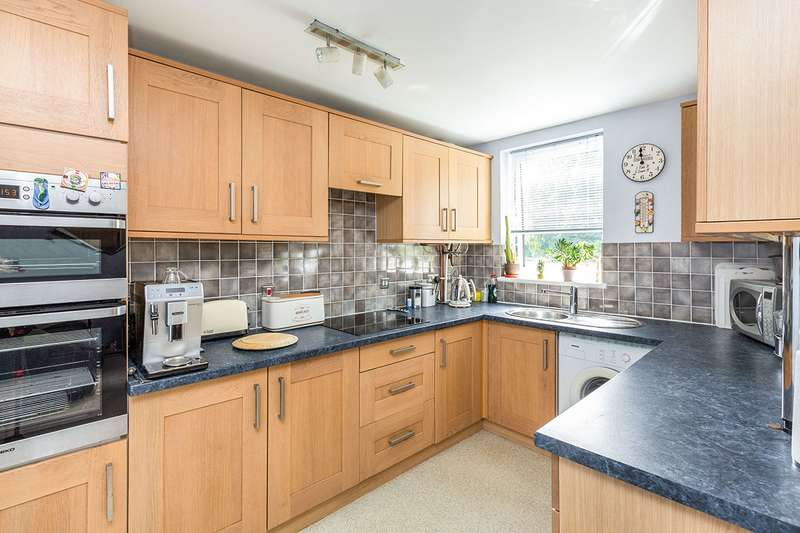 2 Bedrooms Apartment Flat for sale in Bohemia, Hemel Hempstead, Hertfordshire, HP2