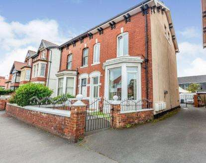 6 Bedrooms Semi Detached House for sale in St. Davids Road North, Lytham St Anne's, Lancashire, FY8