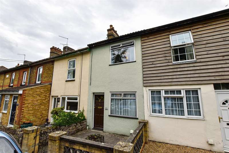 2 Bedrooms Terraced House for sale in Rochester Road, Burham
