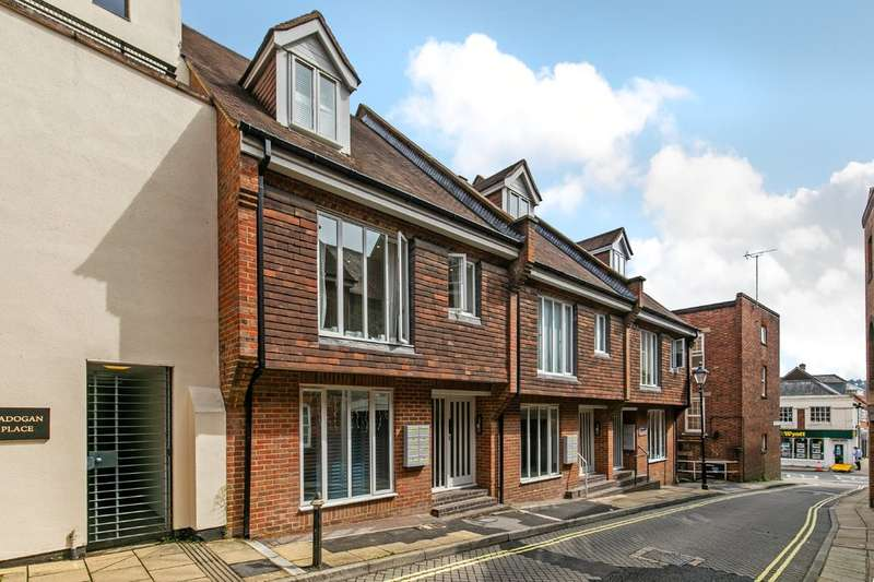 1 Bedroom Ground Flat for sale in St. Clement Street, Winchester, SO23
