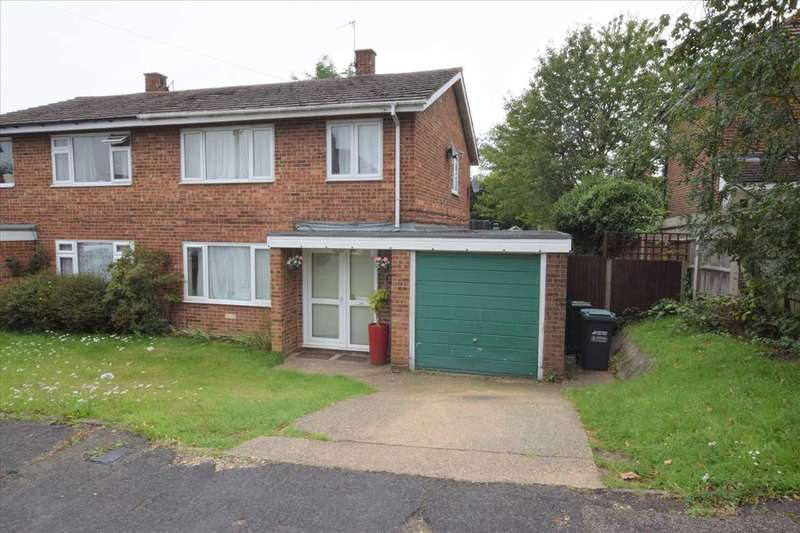 3 Bedrooms Semi Detached House for sale in Oaklands Avenue, Watford