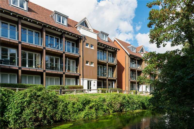 2 Bedrooms Flat for sale in The Rope Walk, Canterbury, CT1