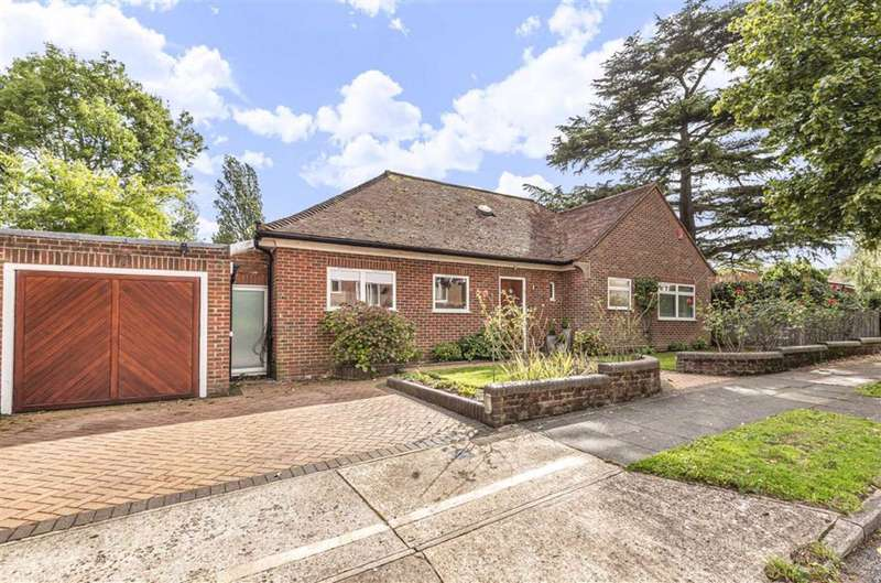 3 Bedrooms Detached House for sale in Latimer Road, Barnet, Hertfordshire