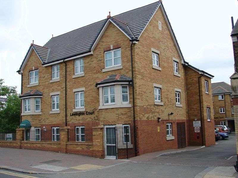2 Bedrooms Property for sale in Lewington Court, Enfield, EN3 5UP