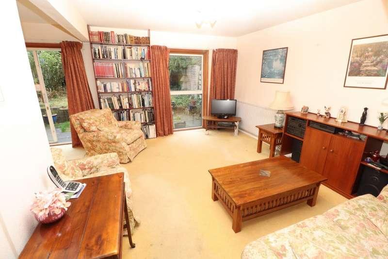 4 Bedrooms Terraced House for sale in Hazelhurst, Beckenham, BR3