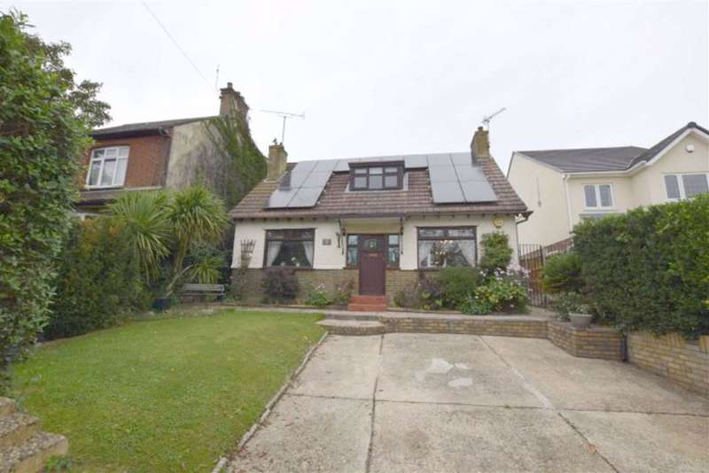 3 Bedrooms Detached House for sale in London Road, Basildon, Essex