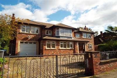 4 Bedrooms House for rent in Gorse Bank Road; Hale Barns; WA15