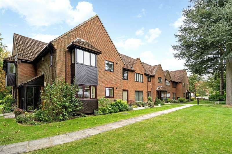 2 Bedrooms Flat for sale in The Burren, Tudor Park, Amersham, Buckinghamshire, HP6
