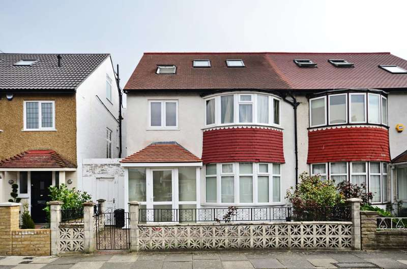3 Bedrooms Flat for rent in Second Avenue, Acton, W3