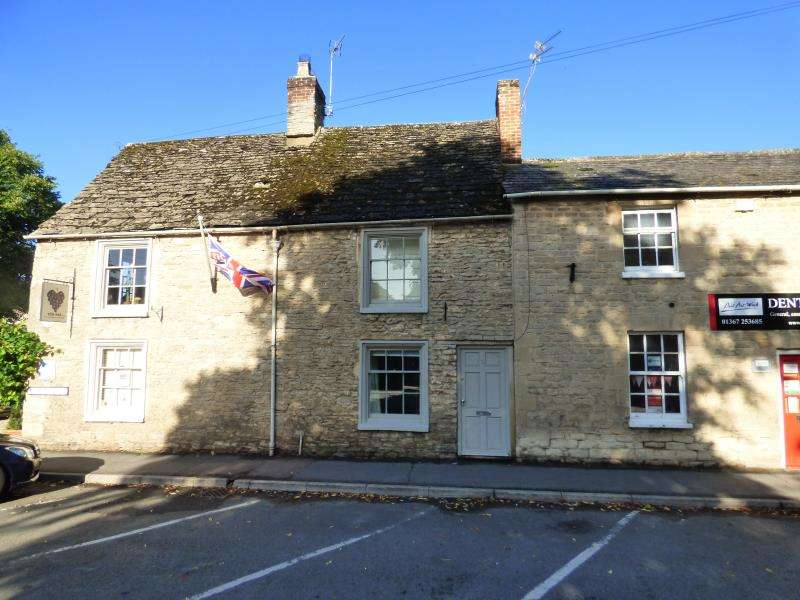 2 Bedrooms Property for sale in Oak Street, Lechlade