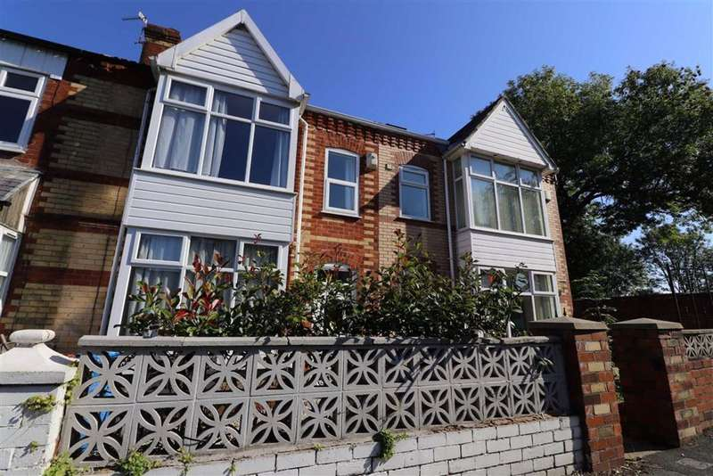 3 Bedrooms Terraced House for sale in Cheltenham Road, Chorlton, Manchester, M21