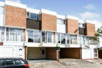 4 Bedrooms Town House for sale in Southsea, Hampshire