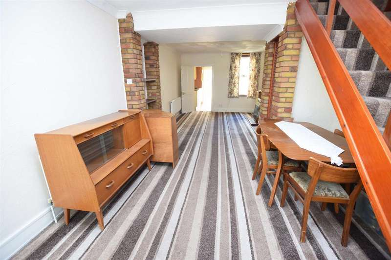 2 Bedrooms Terraced House for sale in Hothfield Road, Rainham, Gillingham