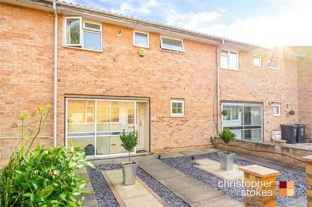 3 Bedrooms Terraced House for sale in Theydon Court, Waltham Abbey, Essex