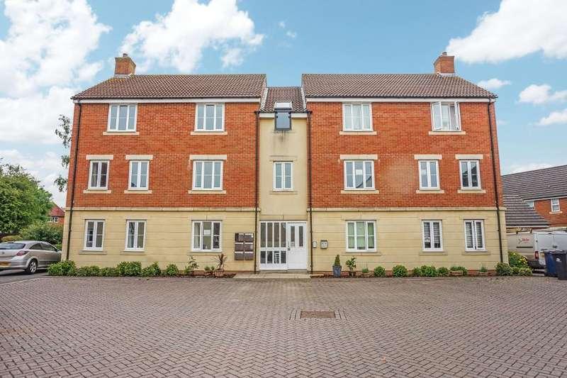 2 Bedrooms Flat for sale in Otter Springs, Gillingham, Dorset, SP8 4GX