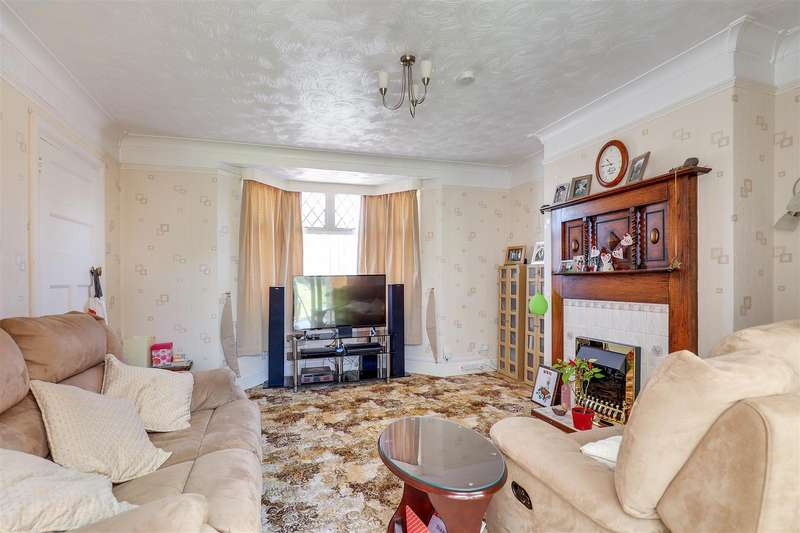 3 Bedrooms Detached House for sale in Vincent Road, SITTINGBOURNE