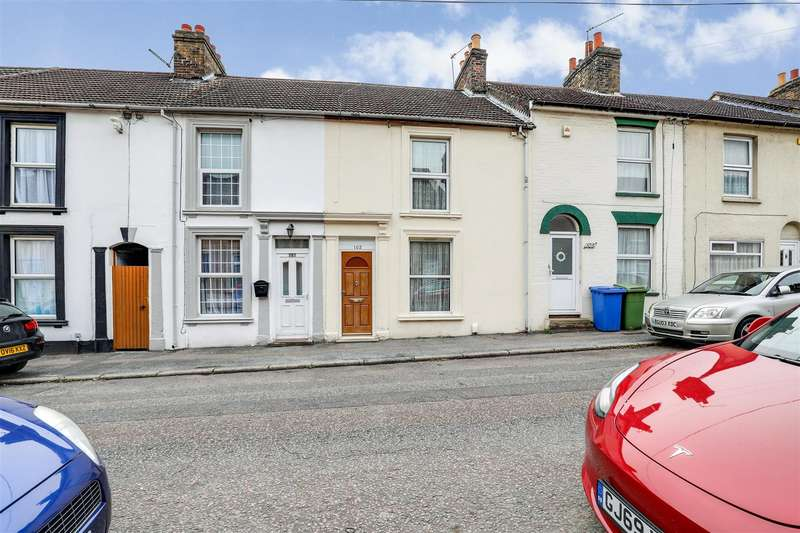 3 Bedrooms Terraced House for sale in Charlotte Street, Sittingbourne