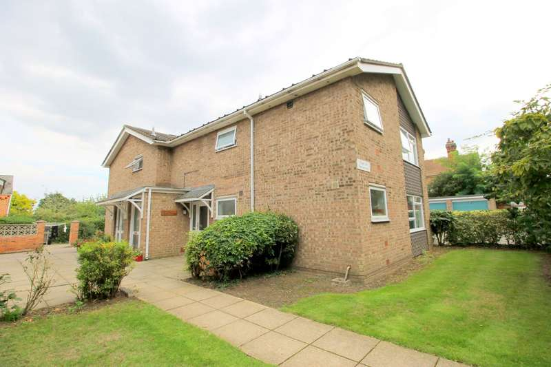 2 Bedrooms Flat for sale in Ravenswood, New Town Road, Colchester