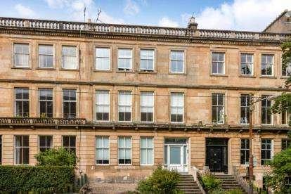 2 Bedrooms Flat for sale in Hillhead Street, Hillhead