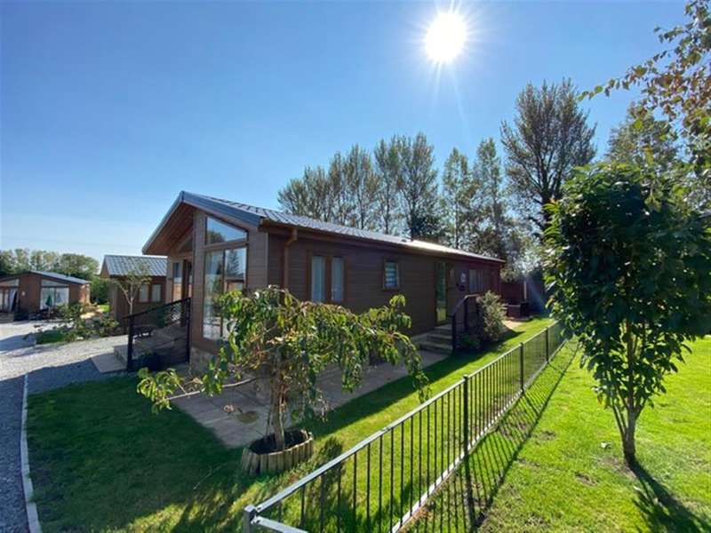 2 Bedrooms Lodge Character Property for sale in Woodlands View, Sling, Coleford