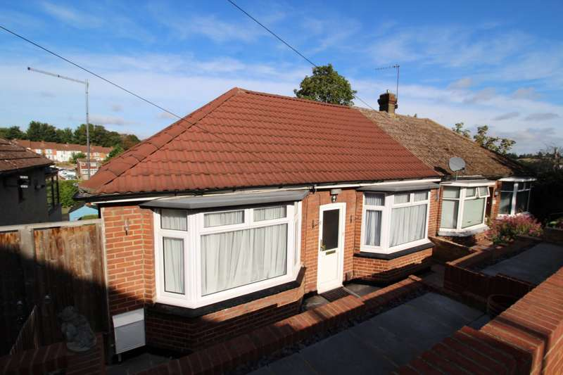 2 Bedrooms Semi Detached Bungalow for sale in Beaconsfield Road, Chatham, Kent, ME4