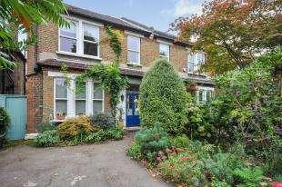 5 Bedrooms Semi Detached House for sale in Lennard Road, Beckenham, Kent, England