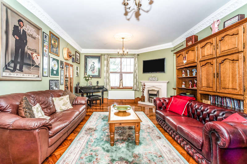 5 Bedrooms Detached House for sale in Gate Street, Merthyr Tydfil