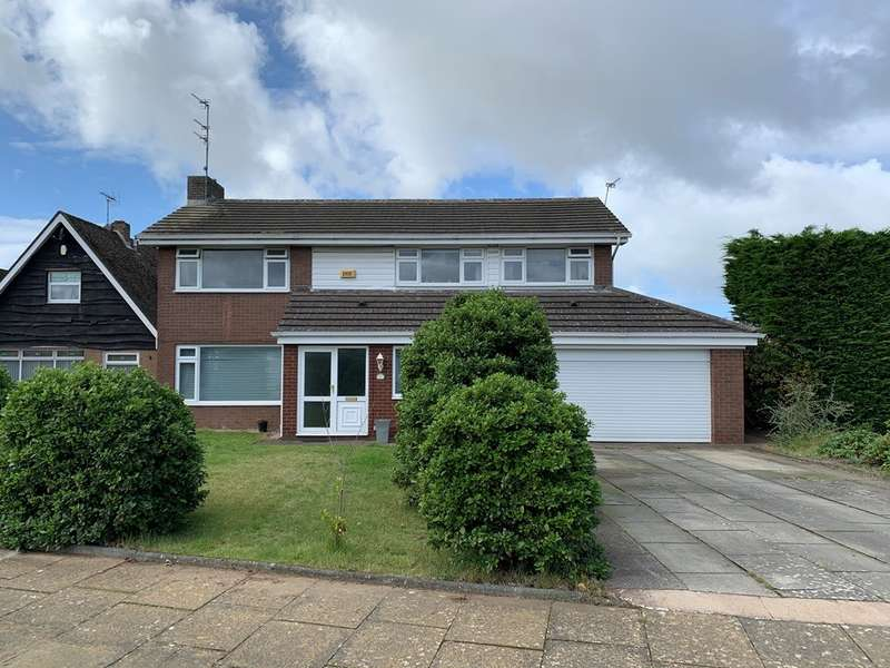 4 Bedrooms Detached House for sale in Harvington Drive, Ainsdale, Southport