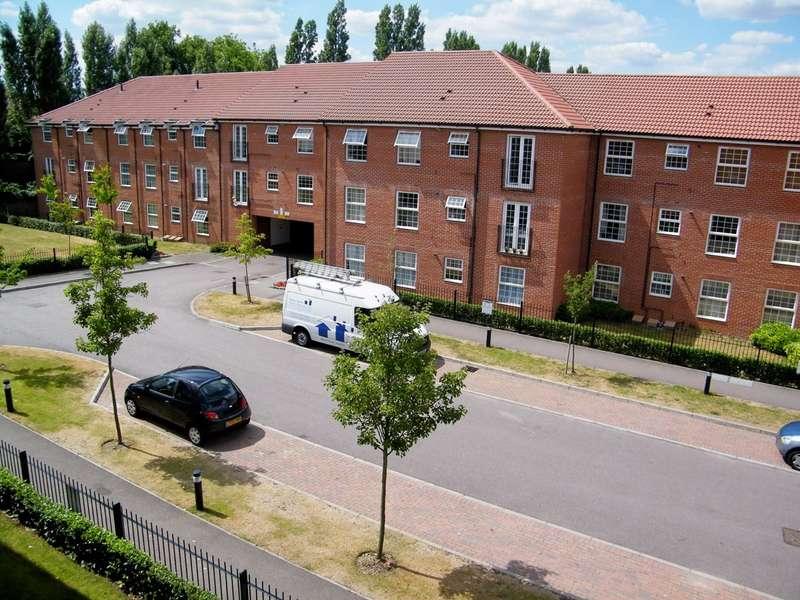 2 Bedrooms Flat for rent in Bridge Court, Welwyn Garden City, AL7