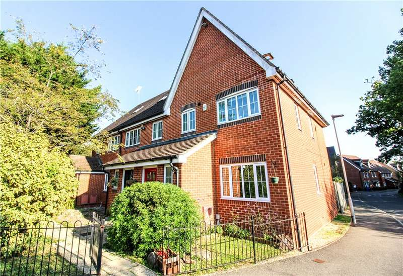 4 Bedrooms End Of Terrace House for sale in Alford Close, Sandhurst, Berkshire, GU47