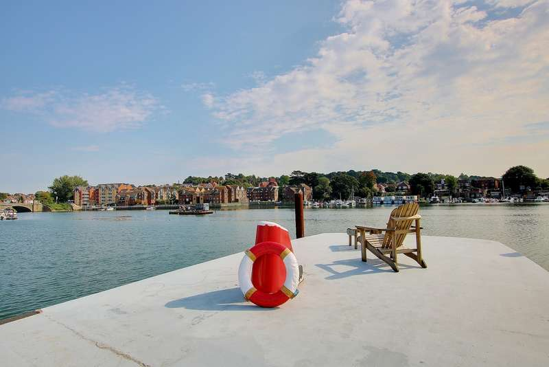 2 Bedrooms Detached House for sale in HOUSEBOAT! AMAZING VIEWS! STUNNING INTERIOR!