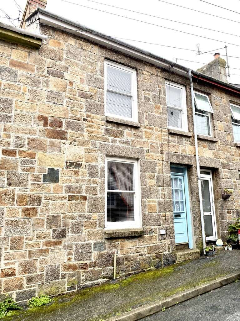 2 Bedrooms Terraced House for sale in St. Francis Street, Penzance