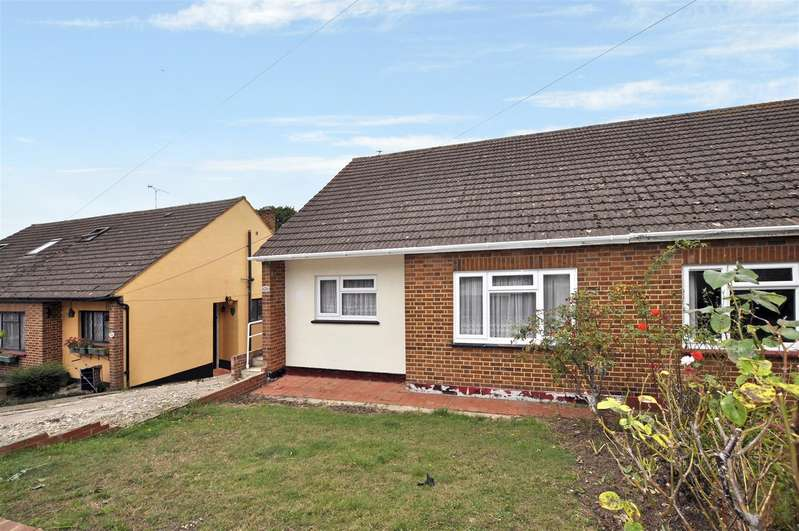 2 Bedrooms Semi Detached Bungalow for sale in Downer Road, Benfleet