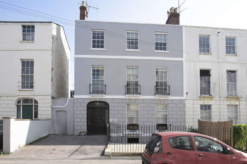 4 Bedrooms Terraced House for sale in Grosvenor Street, Cheltenham GL52 2SQ