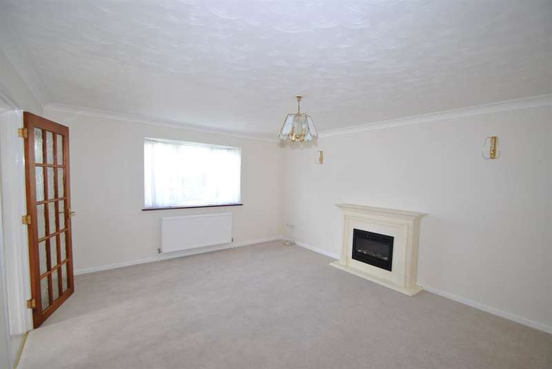 4 Bedrooms Detached House for sale in Chequers Close, Buntingford, SG9 9TB