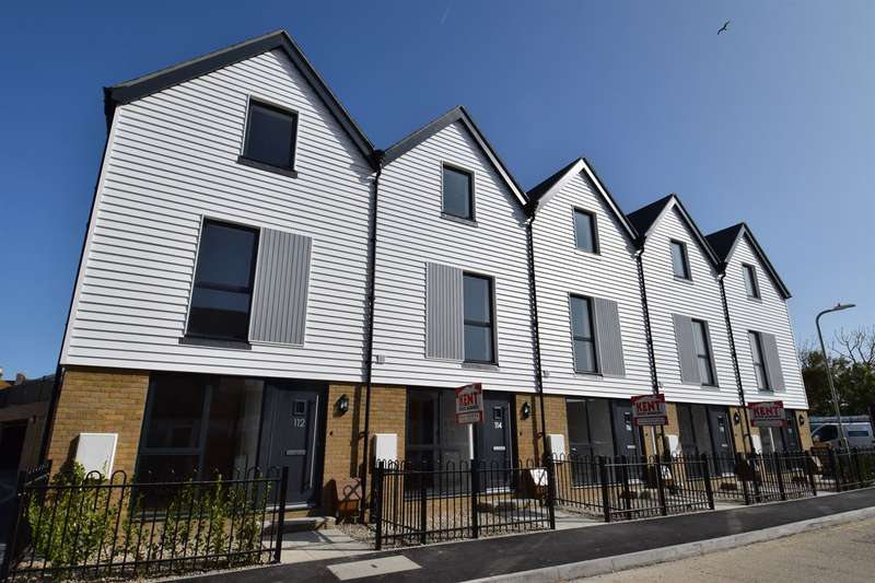 3 Bedrooms Terraced House for sale in The Salt Yard, Cornwallis Circle, Whitstable
